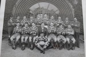 19520901 1952-53ish team pic