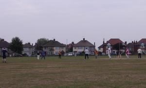20030904 AEI CRICKET 04.09 (7)