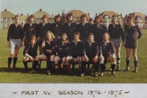 19740901 1974-75 Team Photo